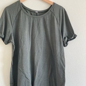 Lululemon workout shirt!
